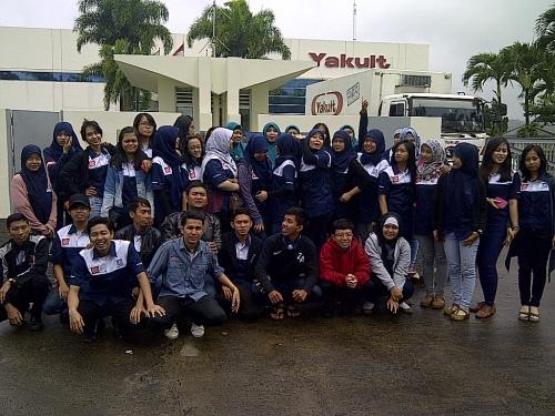 Company Visit KA dan OM ke PT Yakult Indonesia